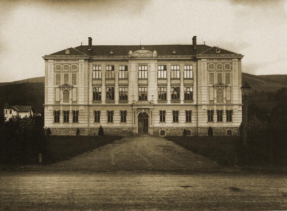 Měšťanská škola v Loučné nad Desnou